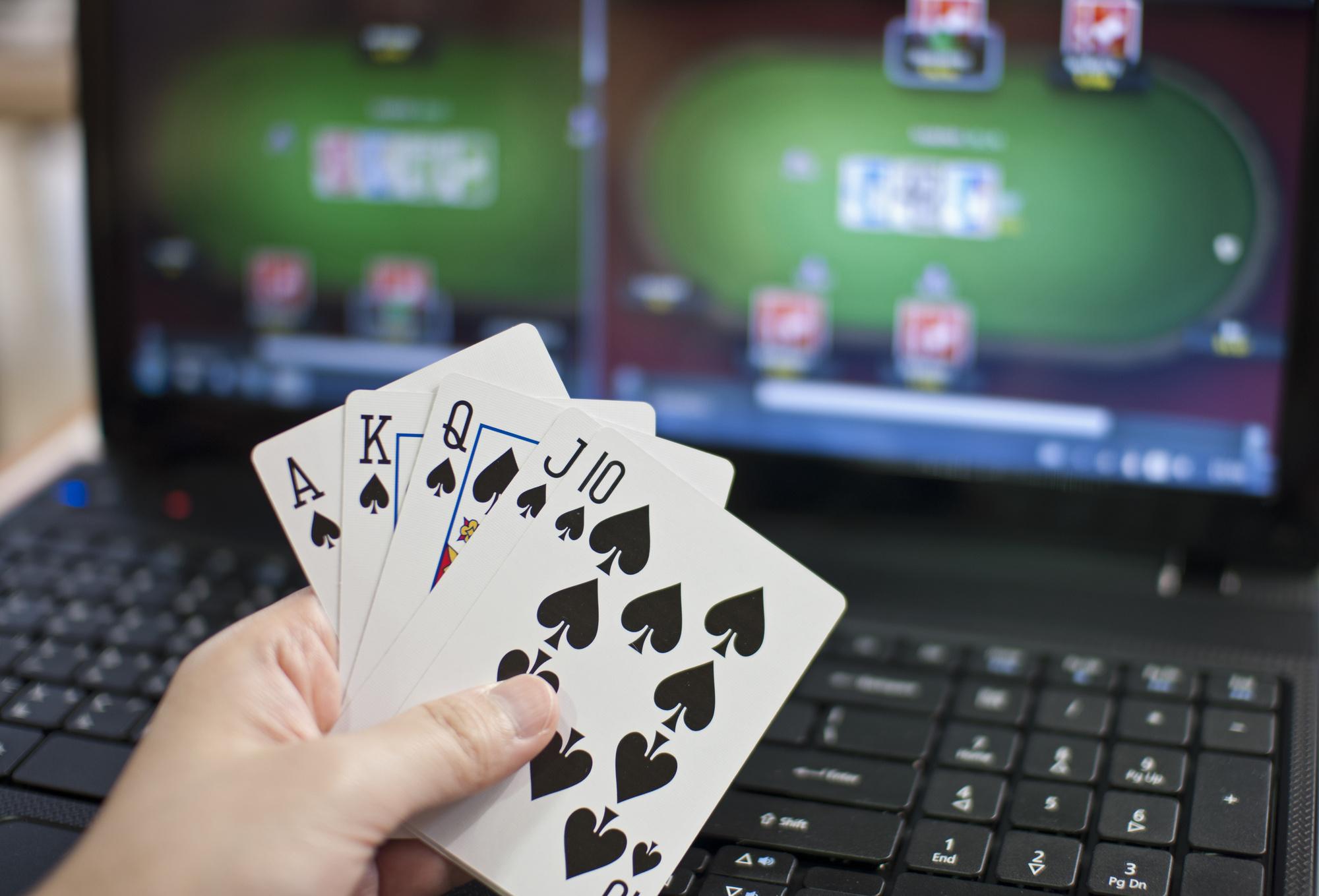 онлайн покер приемы